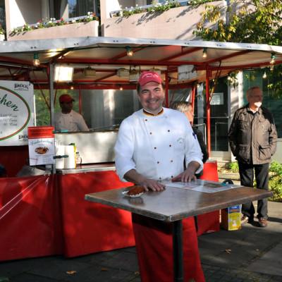 Reibekuchen Heinz auf dem Wochenmarkt, Heinz-Bernd Draschner
