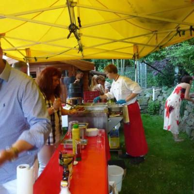 Reibekuchen Heinz: Partyservice vor Ort