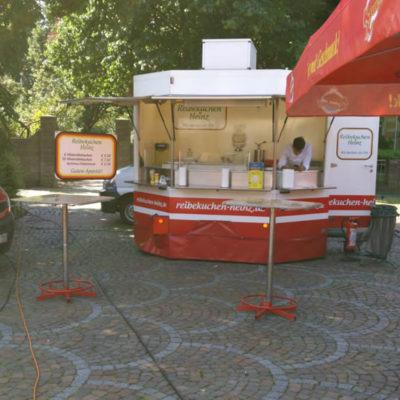 Reibekuchen Heinz: Imbisswagen