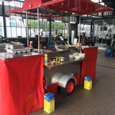 Reibekuchen Heinz: Roter Wagen